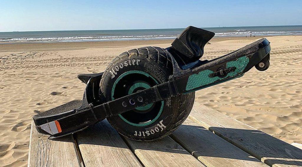 Vince erstattede sin bil med en Onewheel XR, og passerede 5000 km milepælen